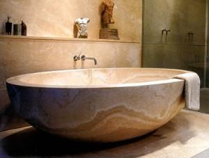 Vanny` iz litogo mramora